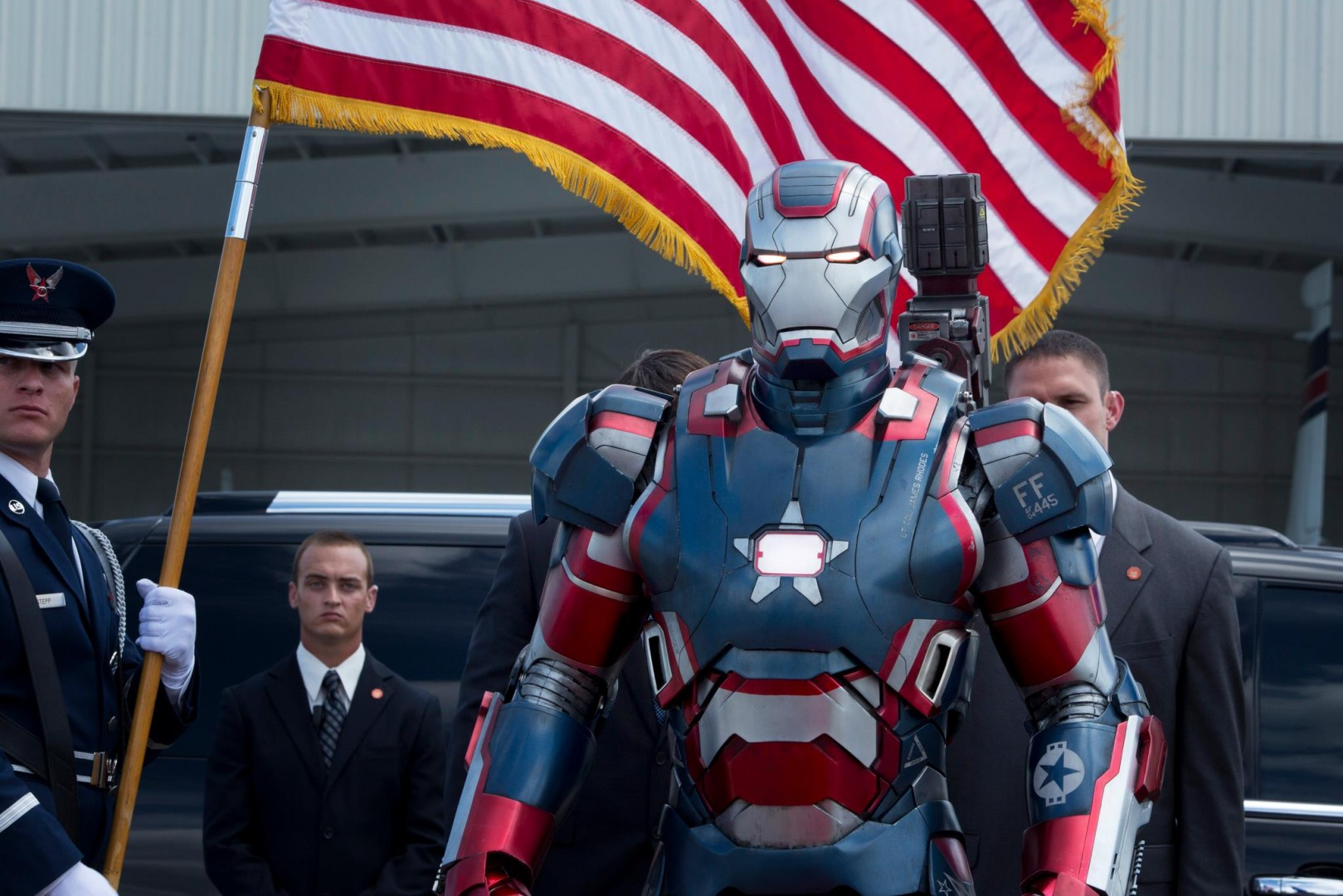 IRON-PATRIOT-WAR-MACHINE